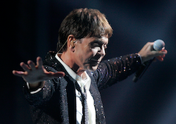 Sir Cliff Richard OBE in Sydney 2013 (element)